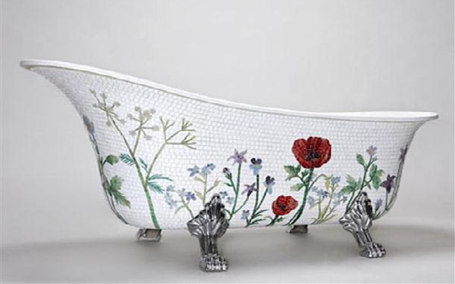 The-Mosaic-bathtub-design-with-classical-romantic-Flower-Style