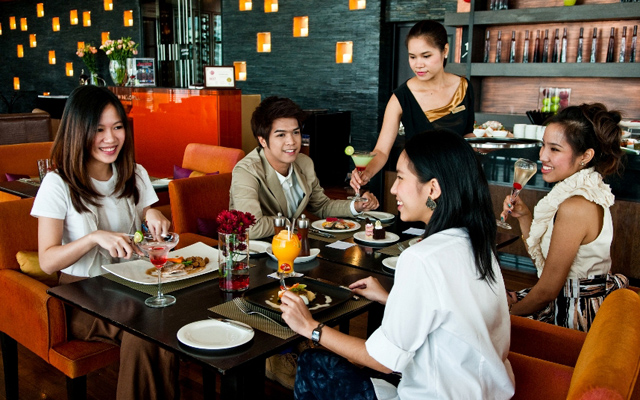 VIE-Hotel-Bangkok,-VIE-Lazy-Sunday-Brunch