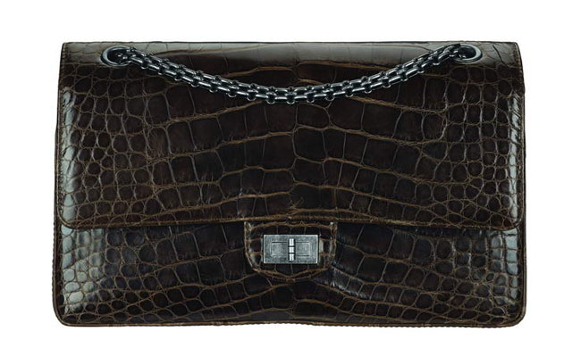 Brown alligator bag with a Mademoiselle lock_Sac marron en a