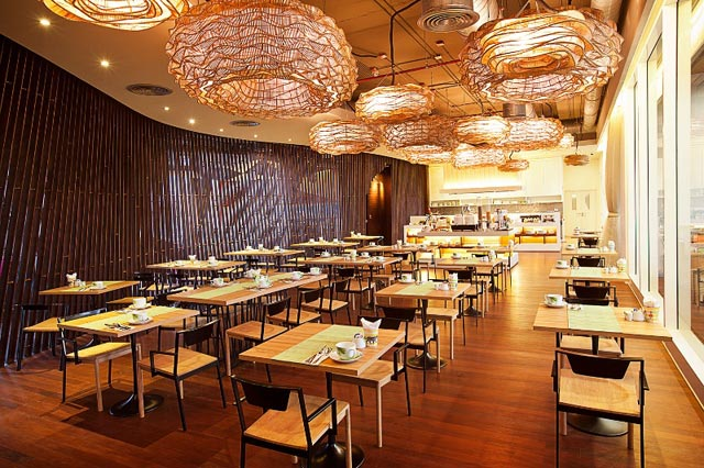 GLOW-Pratunam---Luna-Sky-Garden-Cafe
