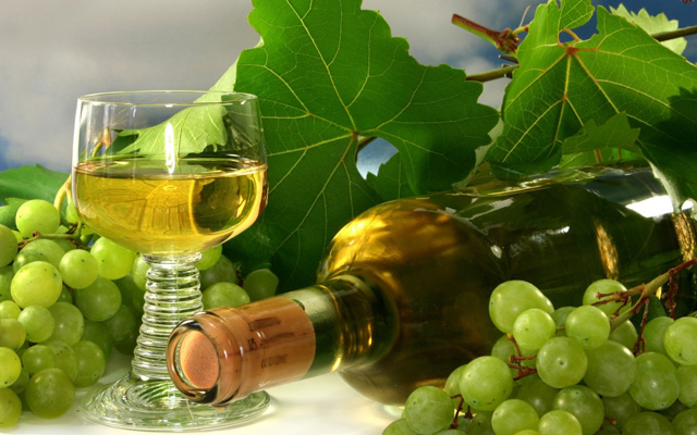 White-Grapes-Wine