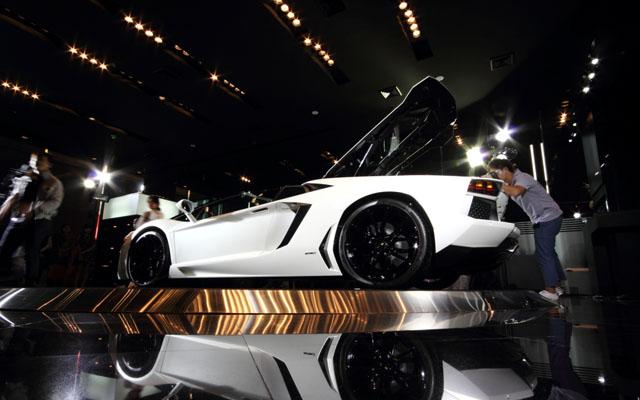 5Aventador Roadster เมื่อเปิดประทุน