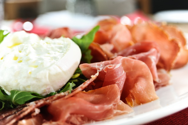 Antipasto da Jojo_Burrata Cheese with Cold Cuts