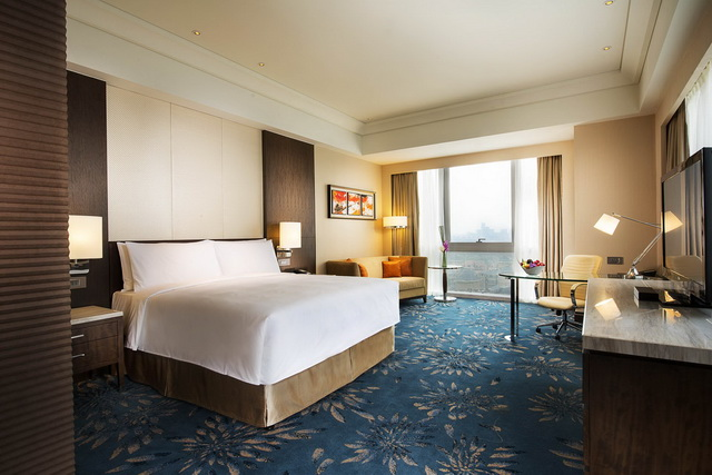Deluxe Room of Shanghai Marriott Hotel Pudong East