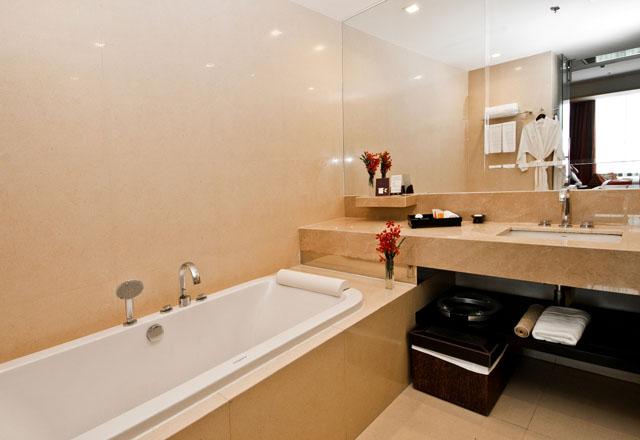 VIE Hotel Bangkok's Deluxe Room (9)