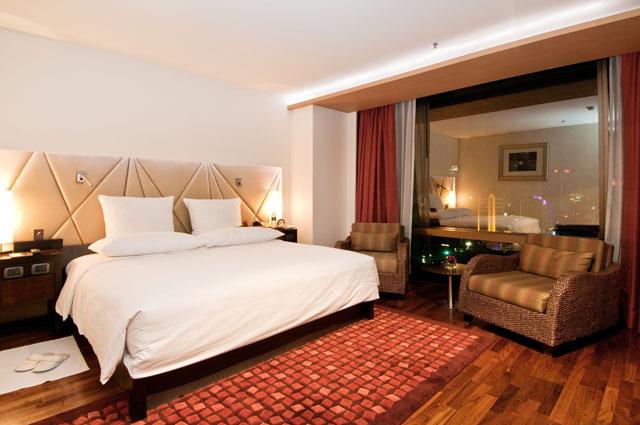 VIE Hotel Bangkok's Grand Duplex Suite (2)