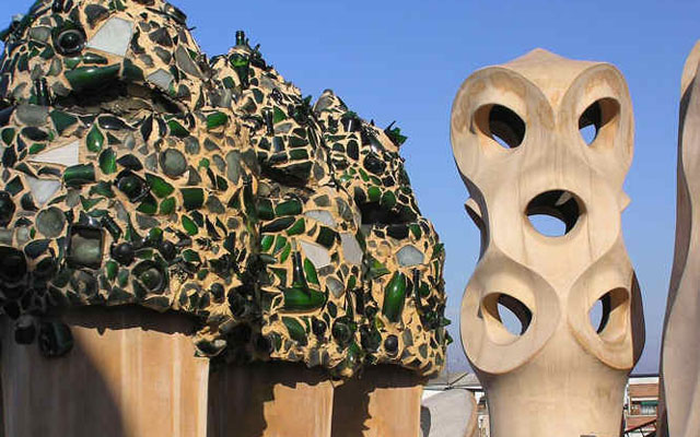 holiday-spain-barcelona-city-break-gaudi-knights-roof-casa-mila