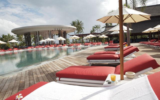 Club Med Poolside 5