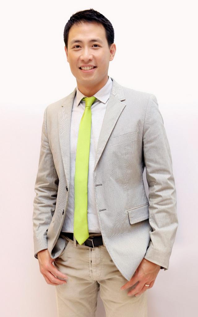 Profile-คุณชานนท์-เรืองกฤตยา-(คุณโก้-Formal-resize)