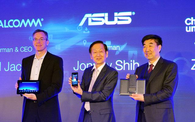 Qualcomm-CEO-Paul-Jacobs-ASUS-Chairman-Jonney-Shih-and-China-Unicom-VP-Zhu-Lijun