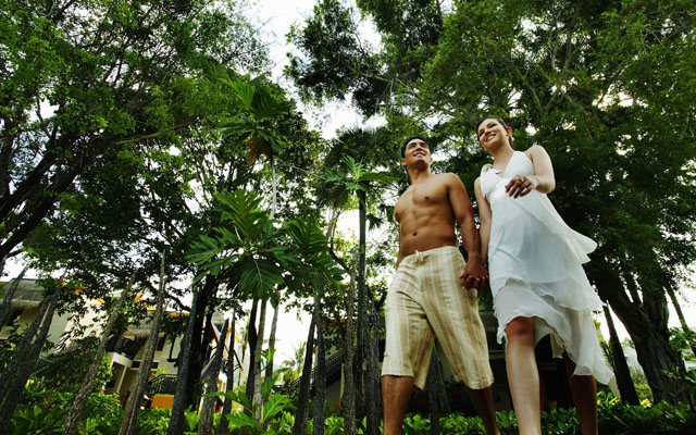 Moevenpick Resort Spa Karon Phuket_Couple