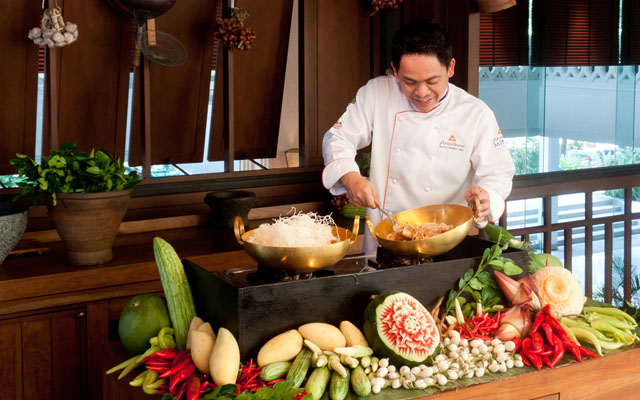 Trader Vic's Sunday Brunch with Chef Chunpol