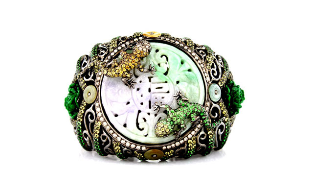 Wendy-Yue-Carved-Jade-Lizard-Cuff