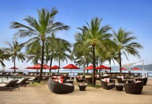 Amari  Coral Beach Phuket_Pool Bar-01