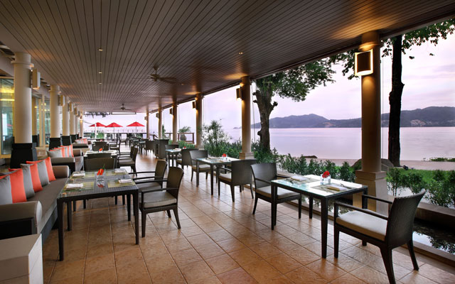 Amari  Coral Beach Phuket_Restaurant-Balcony-01