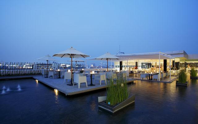 Centara Watergate Pavillion Hotel Bangkok - Cafe' 9 dinner set-up  - 010