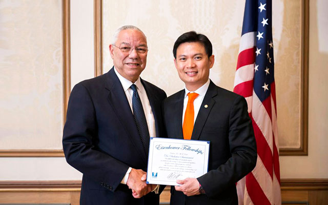 Eisenhower Fellowship Awarded by Colin Powell