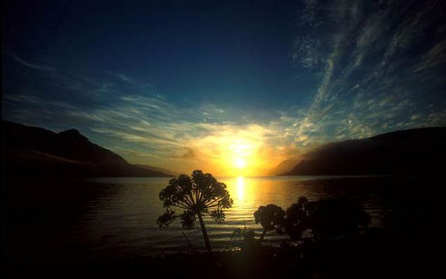 midnight-sun-norway-24892505-570-371