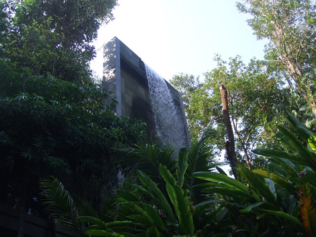 E10.Waterfall