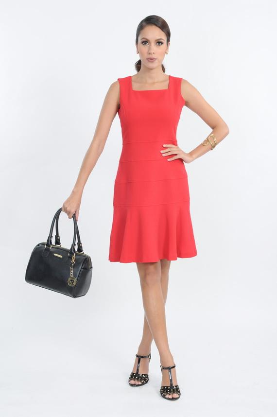 03 Anne Klein_DRESS THB 14,900 , BAG THB  5,500