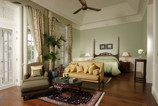 09_Deluxe_Colonial_Suite