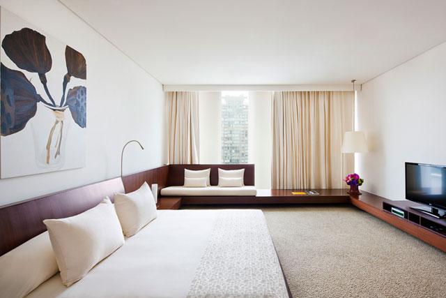 50749849-H1-COMO_Suite_Bedroom