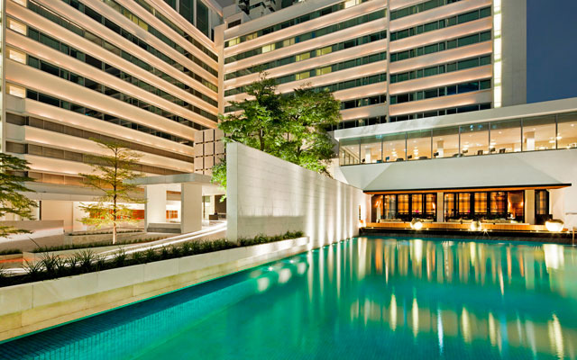 50750241-H1-Pool_and_nahm_at_Night