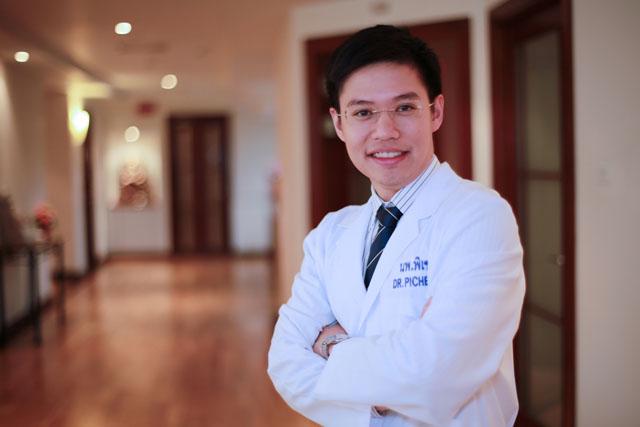 Dr.Pichet_Vitallife