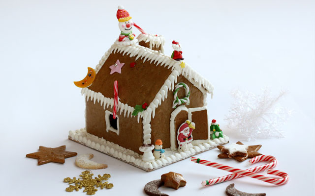 Gingerbread House_re