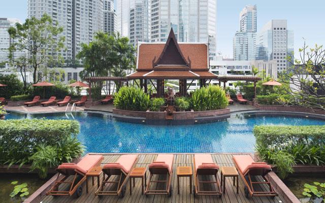 Tropical Thai Garden Swimming Pool