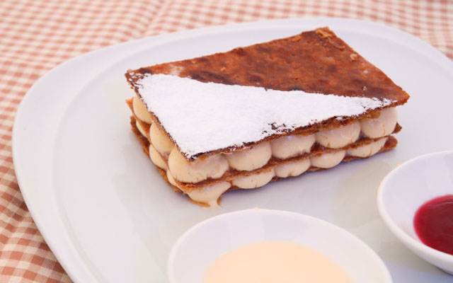 mille_feuille_creamelized flaky pastry with light bourbon vanilla cream and raspberry sauce