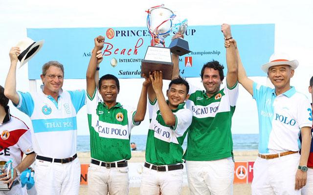 11 Beach Polo
