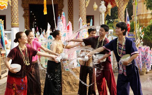 Songkran Festival in Chai Phra Kiat Temple, Chiang Mai