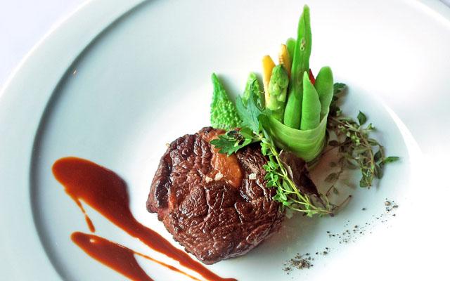 Maduzi_Iwate Wagyu Steak