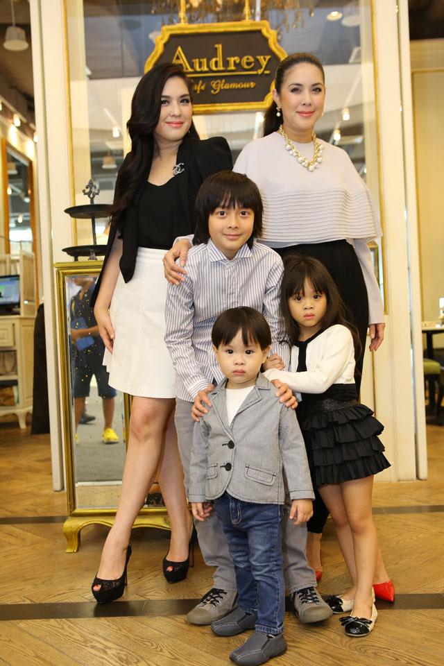 ครอบครัวอบอุ่น โบ-ชญาดา, แบม-จณิสตา, น้องอชิ และน้องเวนิส กับน้องวินซ์_resize