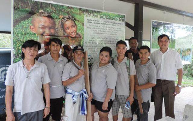 CSR Ren Samui team