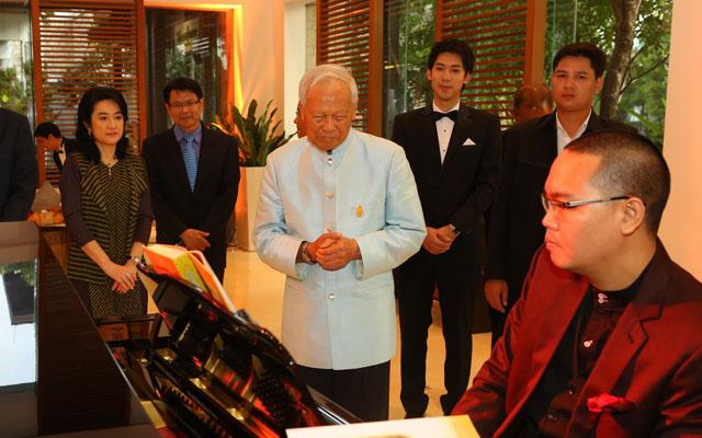 พลเอก เปรม ติณสูลานนท์ ประธานองคมนตรีและรัฐบุรุษ  6