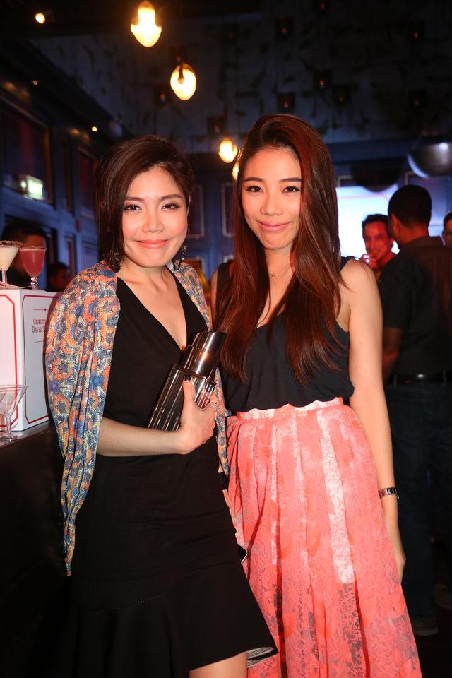 สองสาวแห่งวงการแฟชั่นไทย อัชฌา เจริญรัศมีเกียรติ (ซ้าย) และ ตะวันนา ธารา