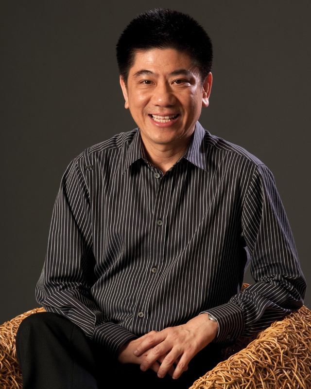 คุณชำนาญ เมธปรีชากุล รองประธานกรรมการบริหาร บริษัท เดอะมอลล์กรุ๊ป จำกัด-11