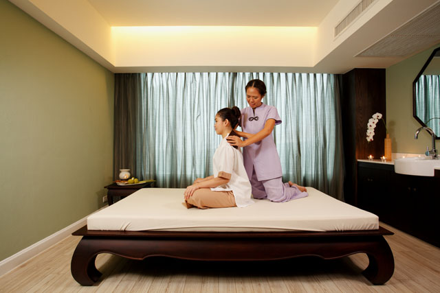 Centra Central Station Hotel Bangkok – Cense by SPA Cenvaree – Thai massage 01-11