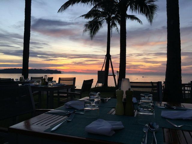 Edgewater Restaurant - sunset atmosphere