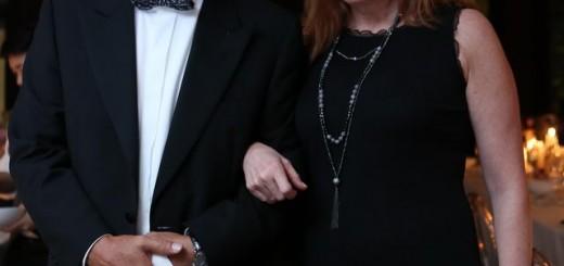 อภิชาติ จูตระกูล  และ แอนน์  คาร์สัน (ขวา)