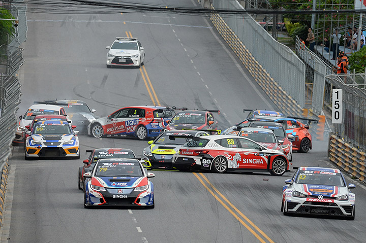 ภาพระหว่างการแข่งขัน-TCR-Asia-Series-ที่เกิดอุบัติเหตุ