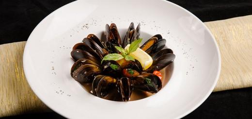 เทศกาลหอยแมลงภู่ดำเนื้อแน่นหวานอร่อยจานเด็ดที่คุณต้องลอง
