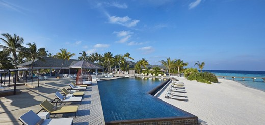 Amari-Havodda-Maldives---Pool