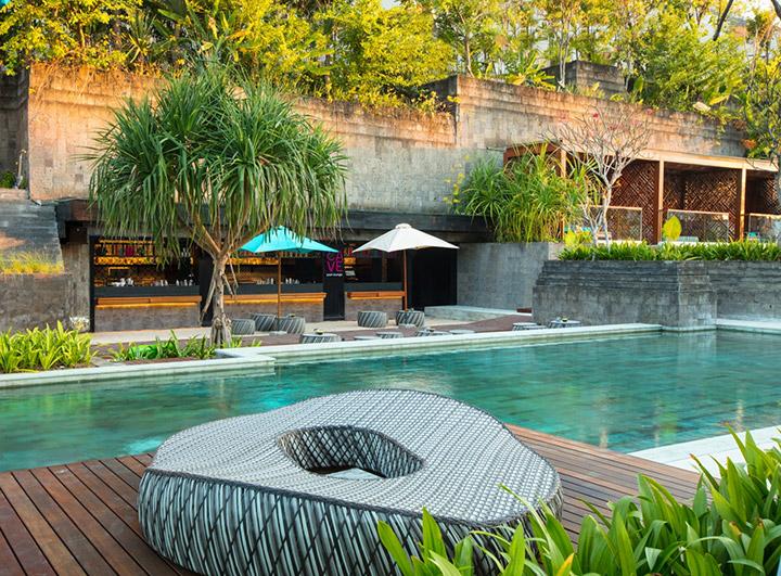 Hotel-Indigo-BaliSB_Cave-Pool-Lounge-Side-Angle