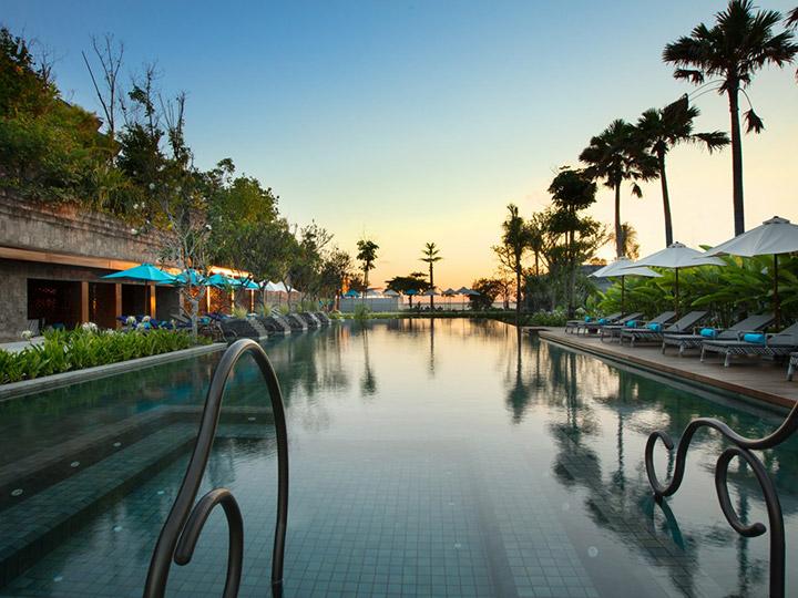 Hotel-Indigo-BaliSB_Main-Pool-at-Sunset