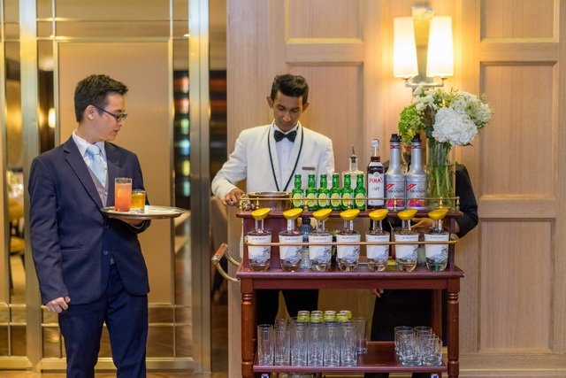 A Gin-Cart was on Hand to Make Specialty English Cocktails